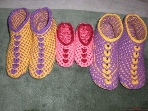 Вязание спицами - красивые домашние тапочки
