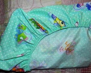 detskaya-prostyn-v-krovatku Простыня на резинке своими руками: как правильно сшивать простынку в детскую кроватку