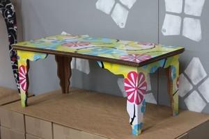 Столик из картоны для куклы