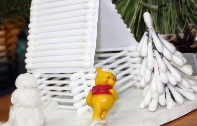 Новогодняя композиция из ватных (ушных) палочек