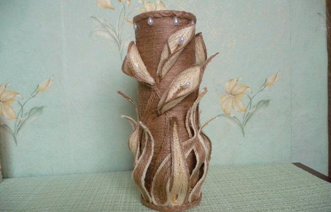 Изысканная ваза из пластиковой бутылки