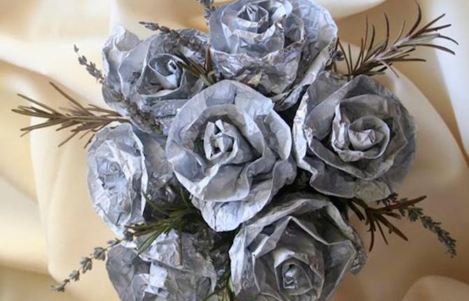 Роза из фольги и бумаги