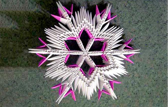 Снежинка в технике модульного оригами